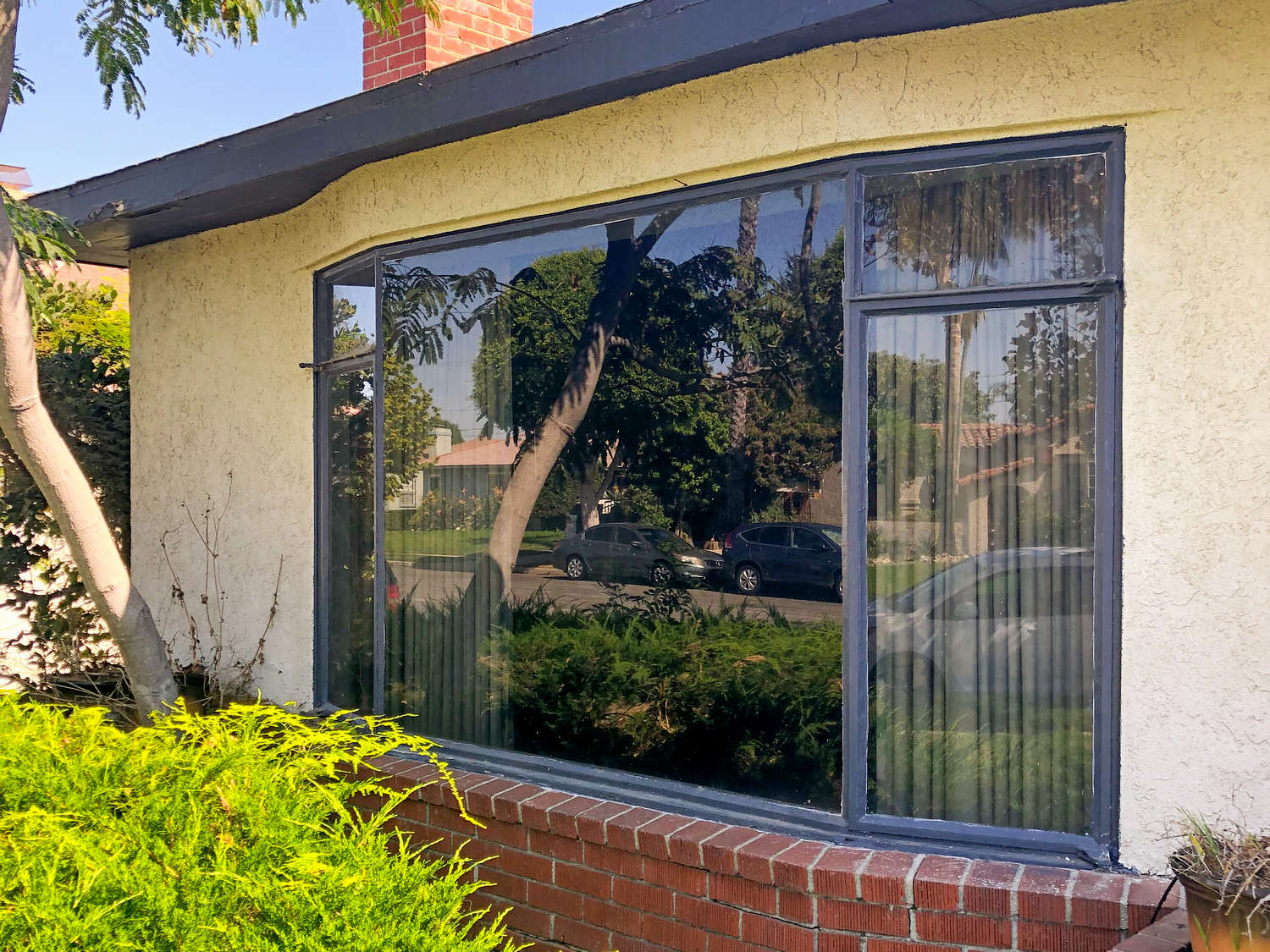 before Window Replacement in Inglewood, CA